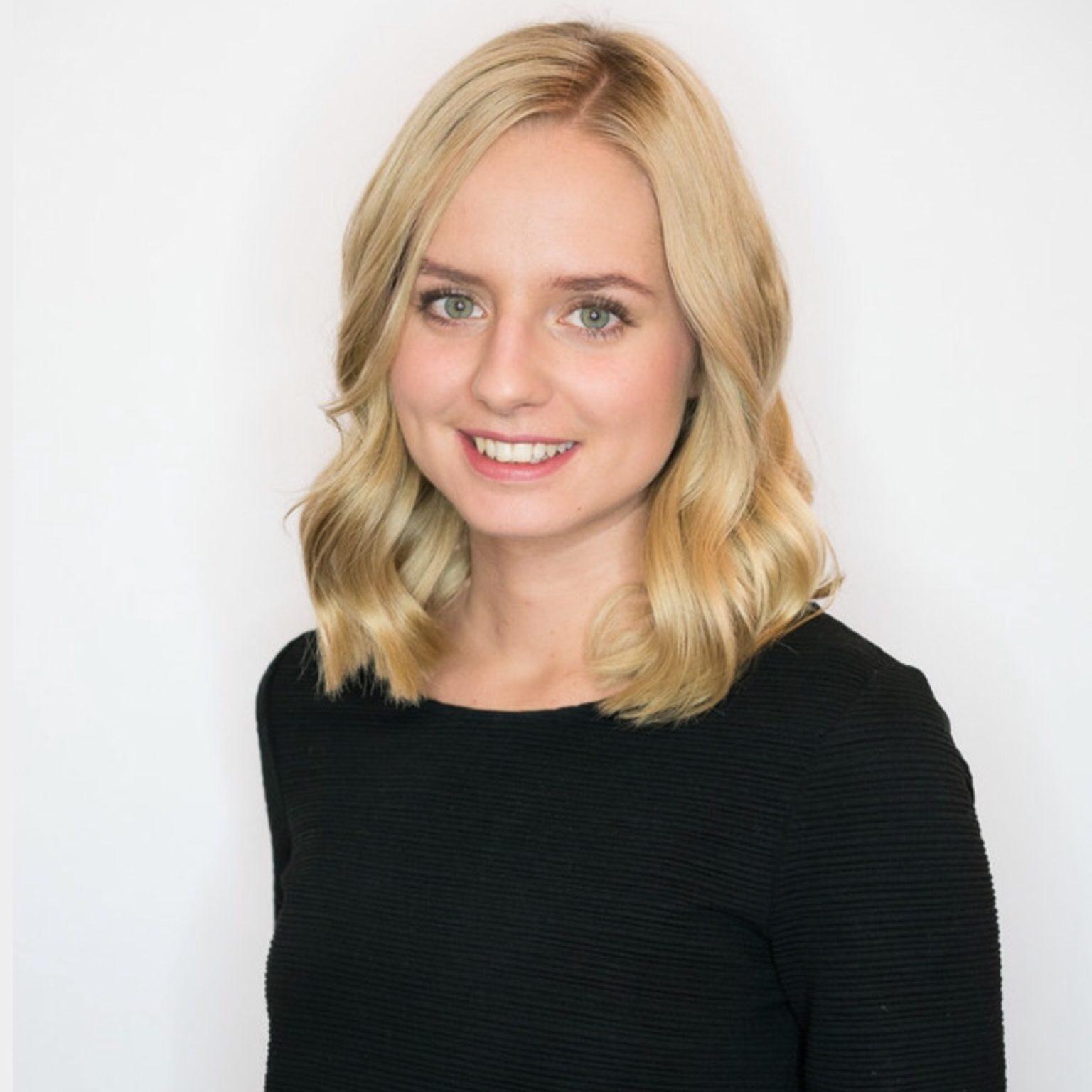Fabienne - Haarstylistin - Spezialgebiet: Haarfarbe und Langes Haar - aktuell in Mutterschutz -