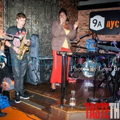 9A Club mit Nate Jones (Bassist von Usher), James Rouse (Drummer von Lauryn Hill)