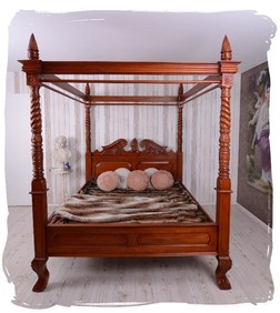 betten im vintage stil villa landliebe shabby chic. Black Bedroom Furniture Sets. Home Design Ideas
