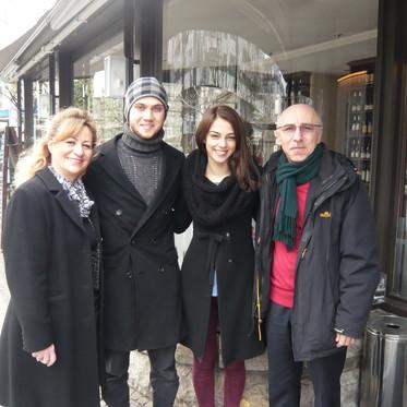 Mahmut ıle Meryem Oyuncuları Aras Bulut İynemli ve Eva Dedova Tuğra Restaurant ta