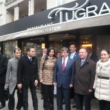 T.C. Dışişleri Bakanı Sayın Ahmet Davutoğlu Tuğra Restaurant ta
