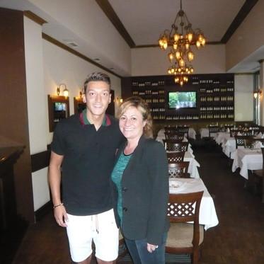 Mesut Özil Tuğra Restaurant ta