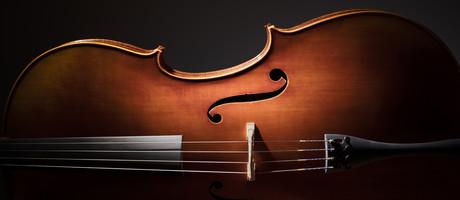 Erfahren Sie mehr über Glas und Violoncello in Zusammenarbeit mit Ulrike Gossel
