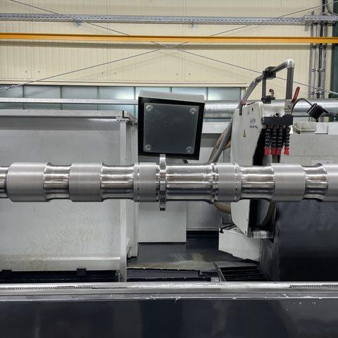 Verkehrstechnik - Achswelle mit mehreren Sitzen nach DB Norm regeneriert