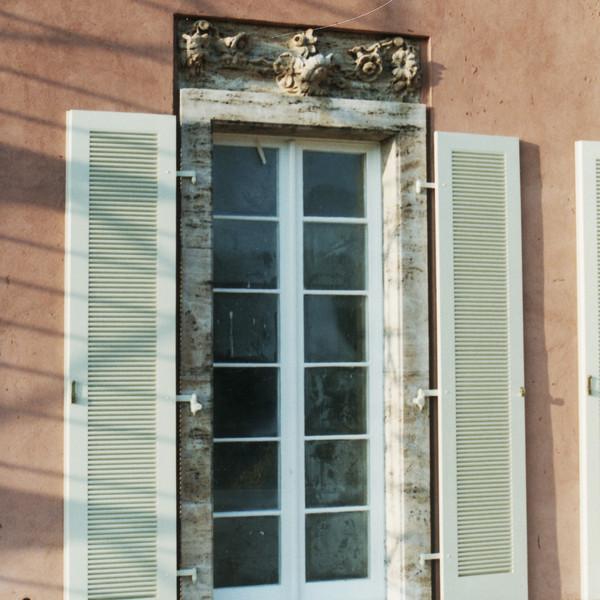 <h2>Kunde / Ort</h2> <br> Villa Urbig <br><br>  <h2>Ausführung / Material </h2> <br>  Restaurierung Villa Urbig