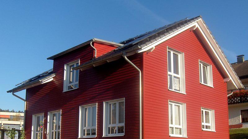 Holzhaus mit Einliegerwohnung Lossburg