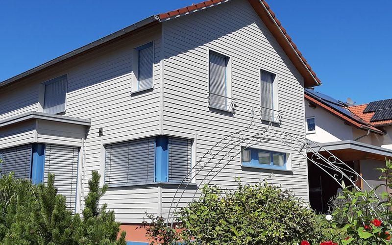 Holzhaus mit Carport Freudenstadt