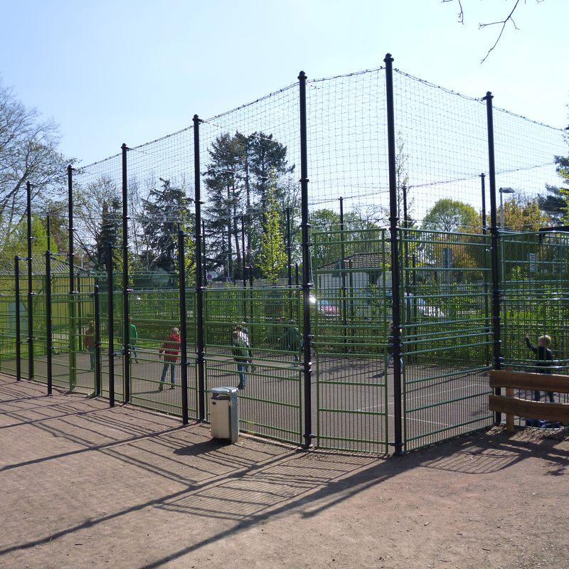 Monheim: Erhöhung der Multisportanlage mit Dachnetz 2019
