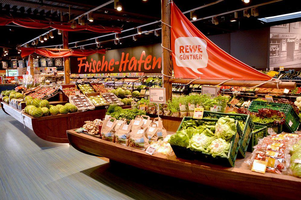 Obst und Gemüseabteilung in Berhausen